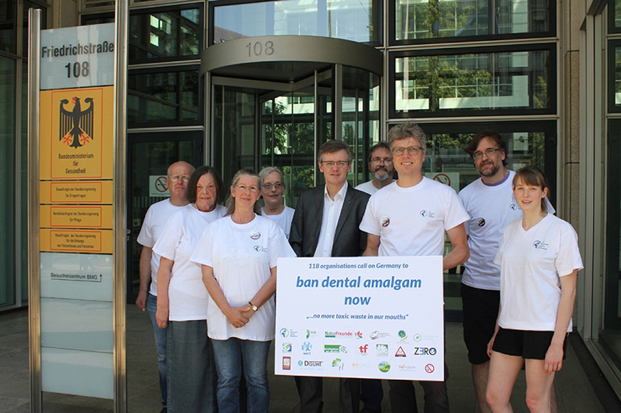 More than 100 organizations demand a ban on amalgam fillings in Germany, Berlin
